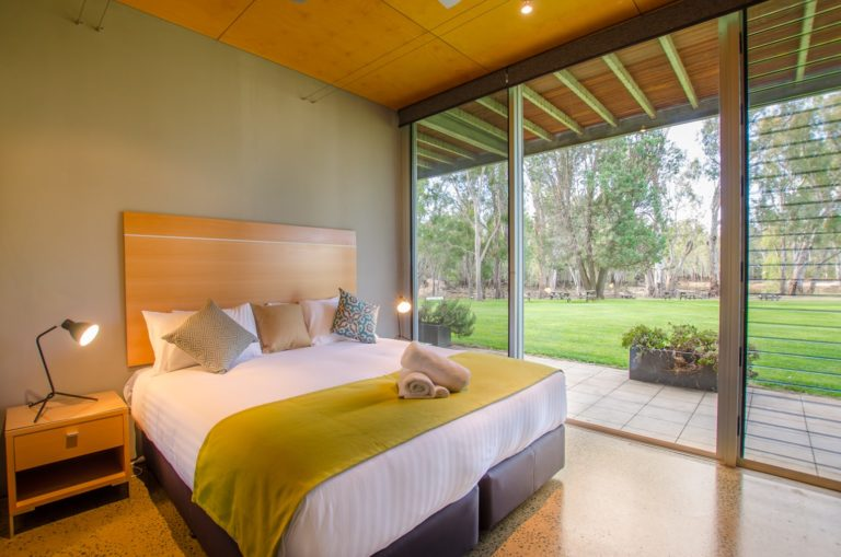 22-cape-horn-vineyard-villa-bedroom